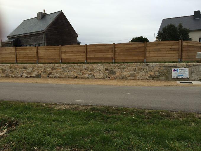 Mur de cloture en pierre duun mur de clture mur paraping - Mur de cloture en pierre ...