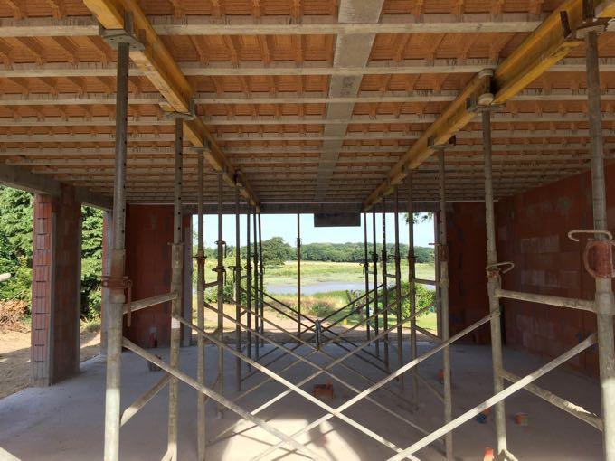 construction maison neuve garage piscine. Black Bedroom Furniture Sets. Home Design Ideas